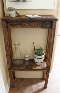 Pallet Table Plans How to turn a pallet into a console table by Curb to Refurb featured on Remodelaholic Scrap Wood Projects, Diy Pallet Projects, Furniture Projects, Furniture Plans, Wood Furniture, Woodworking Projects, Pallet Ideas, Diy Pallet Kitchen Ideas, Woodworking Plans