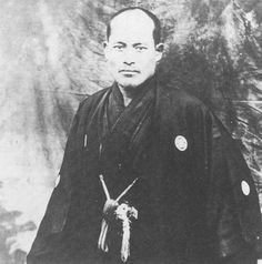 Ueshiba Link : http://blog.aikidojournal.com/media/morihei-ueshiba-hokkaido-c1918.jpg