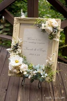 ホワイトグリーンユーカリ ナチュラル ウェルカムボード Funeral Flower Arrangements, Funeral Flowers, Floral Arrangements, Wedding Welcome Signs, Wedding Signs, Diy Wedding, Wedding Reception, Dried Flowers, Paper Flowers