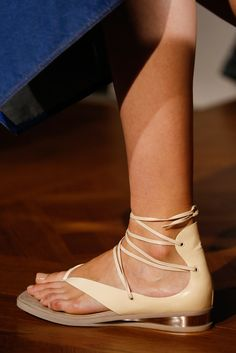 »Stella McCartney Spring 2015 Ready-to-Wear Fashion Show Details« #fashion #fashionandaccessories #shoes