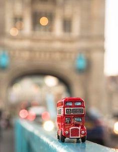 Love Wallpaper Backgrounds, Smoke Wallpaper, Cute Wallpapers, Miniature Photography, Cute Photography, Macro Photography, Miniature Cars, London Pictures, Message In A Bottle