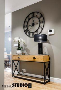 Vintage Industrial Furniture For Your Home Hall Furniture, Iron Furniture, Luxury Furniture, Furniture Outlet, Apartment Interior, Interior Design Kitchen, Interior Design Living Room, Entrance Hall Decor, Industrial Design Furniture