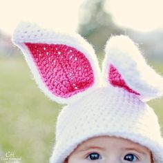 The Inner Hooker--lots of CUTE crochet pattern. Will send this link to mom! I'm sure she's dying to make some baby hats for us :) Easter Crochet, Crochet Bunny, Cute Crochet, Crochet For Kids, Crochet Crafts, Yarn Crafts, Knit Crochet, Crochet Children, Knitting Projects