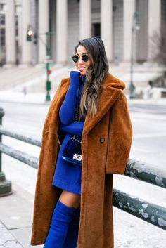 Wendy's Lookbook | Easy Chic Dressing, Monochromatic Blue Simple Outfits, Winter Outfits, Casual Outfits, Blue Outfits, Wendy's Lookbook, Blue Boots, Elegant Outfit, Classy And Fabulous, Winter Fashion