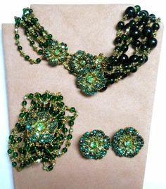 Miriam-Haskell-Emerald-Green-Crystal-Vintage-Set-Necklace-Clip-Earrings-Bracelet