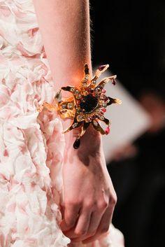 Detalle  de Schiaparelli - Pasarela