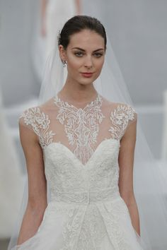 Details, details, details... This @Monique Otero Lhuillier wedding dress is to die for!