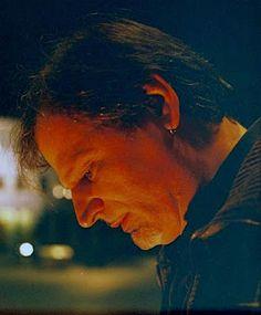 Στα χρώματα της μουσικής: Με τις νότες της ψυχής: ο ερμηνευτής Νίκος Ζούδιαρ...