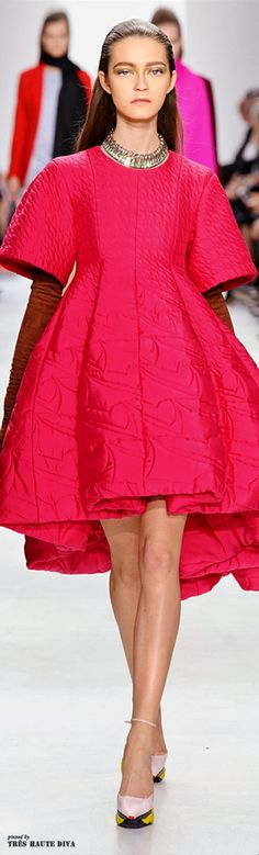 Fashion week pink christian dior 43 ideas for 2019 Dior Fashion, Couture Fashion, Runway Fashion, Fashion Show, Fashion Dresses, Womens Fashion, Paris Fashion, Guy Laroche, Christian Dior