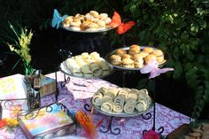 Finger foods for outdoor tea party