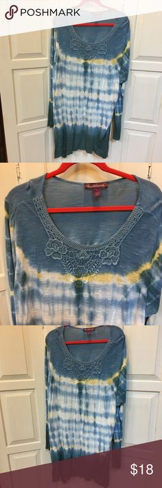 Gloria Vanderbilt Tie Dye Top Gloria Vanderbilt soft tie dye top. Cute crochet lace on front neckline.   Size:  3X Gloria Vanderbilt Tops