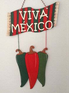Foamy Viva Mexico Banner Inspiration * No instructions available Mexican Birthday Parties, Mexican Fiesta Party, Mexican Hat, Mexican Crafts, Diy Tumblr, Mexican Designs, Classroom Decor, Handicraft, Vintage Toys