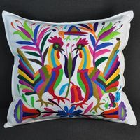 Ive had an Otomi wall hanging for years still looks amazing.add dazzle of color to any. Folk Embroidery, Embroidery Patterns, Machine Embroidery, Bordado Popular, Mexican Designs, Antique Quilts, Cross Stitch, Throw Pillows, Bird