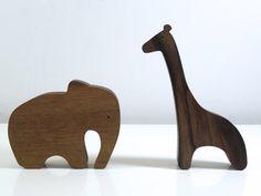 Animales africanos en madera natural / / eco del juguete para