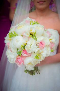 Hand Pickd (Just For You) Bridal Bouquet | Bride Meets Wedding Vendor | Iowa, Illinois and Wisconsin Wedding Planning Information and Inspiration