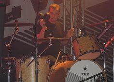 Gavin Maguire, subbing in with the Trews.  Sudbury Events Centre, Sudbury, ON Dec. 13/14