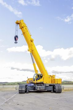 Liebherr Construction - LTR 1220 telescopic crawler crane Crane safety training www. Heavy Construction Equipment, Construction Machines, Crane Construction, Construction Process, Water Well Drilling, Drilling Rig, Tractors For Sale, Old Tractors, Heavy Equipment For Sale