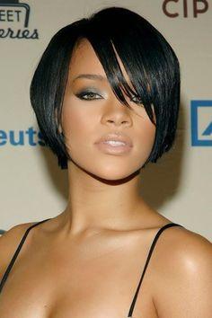 Coiffure visage ovale femme noire