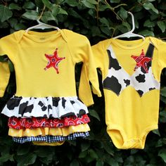 Items similar to Boy and Girl Twins - Woody and Jessie inspired twin costume set on Etsy Twin Outfits, Family Outfits, Matching Outfits, Twin Toddlers, Twin Babies, Boy Girl Twins, Boy Or Girl, Cute Twins, Cute Babies