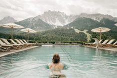 Urlaub in den Dolomiten: zu Gast im Leitlhof - The Chill Report Hotels, Outdoor Furniture, Outdoor Decor, Top, Far Away, Ski Trips, Winter Vacations, Hiking Trails, Backyard Furniture