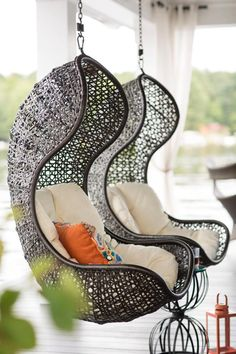 Great Idea 15 Awesome Hanging Chair Design Ideas For More Comfortable Sitting Relax with a hanging chair at home, of course, fun and soothing. Not only that, but the hanging chair also makes your home decoration more beautiful. Decoration Chic, Haus Am See, Wooden Decks, Swinging Chair, My Dream Home, Dream Homes, Summertime, Outdoor Living, Sweet Home