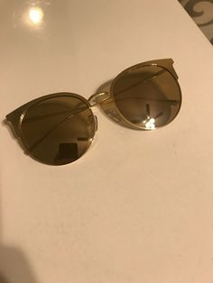 289055fed2 Vedi Vero 712 Cat Eye Gold Women's Sunglasses Shipped with USPS First Class  Package.