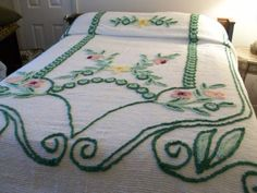 Vintage-chenille-bedspread-floral-92-x-103-inches