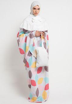 Hijab Fashion, Women's Fashion, Islamic Gifts, Muslim Dress, Hijab Tutorial, Prayers, Clothing, Model, Outfits