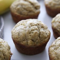 SKINNY BANANA BREAD MUFFINS that are so flavorful and moist you would never know they are healthy (er). These banana muffins have no oil, are low sugar, and just over 100 calories each. Skinny Banana Bread, Banana Bread Muffins, Healthy Banana Bread, Healthy Muffins, Banana Muffins Applesauce, Low Calorie Banana Bread, Banana Bread Cupcakes, Low Sugar Banana Bread, Low Fat Muffins