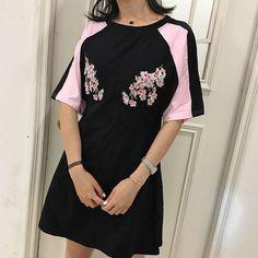 Retro South Korea chic wind embroidery flowers hit color sleeve sleeve sleeve waist was thin T-shirt skirt summer short-sleeved dress