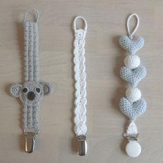 Flere suttekæder☺ #hækle #hæklet #hækling #crochet #crochetaddict #crocheting #virkning #amigurumi #suttesnor #suttekæde #babyboy #babyshower #bestilling #tingtilbaby