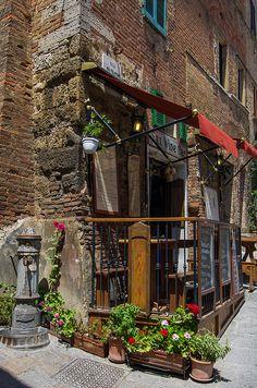 Sax Wine Bar - Montepulciano, Siena, Tuscany, Italy