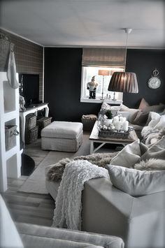 stuen 2.des 13 2... pic #2, not sure if i'd do this in my living room, but the squishy pillows and soft blankets are pretty inviting.