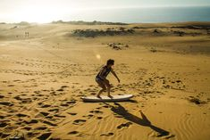 Sand surfing in Morocco next to the sea !