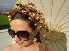 With the Australian spring racing season upon us, and in a bizarre duality, Halloween approaching too, I thought I'd share a recent DIY project I completed recently: the Lady Melbourne super-speshul gold flower crown. Diy Flower Crown, Diy Crown, Gold Diy, Spring Crafts For Kids, Diy For Kids, Flower Garden Design, Golden Flower, Pink Wedding Invitations, Paper Flowers Diy