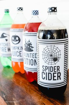 Add these darling Halloween Soda Pop Labels to 2 liter soda bottles for super easy and fun Halloween drinks! Halloween Desserts, Halloween Labels, Halloween Party Games, Halloween Drinks, Halloween Birthday, Diy Halloween Decorations, Holidays Halloween, Scary Halloween, Halloween Crafts