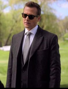 Serie Suits, Suits Tv Series, Suits Tv Shows, Harvey Specter Haircut, Harvey Specter Suits, The Tig, Gabriel Macht, Red Band Society, Grey Anatomy Quotes