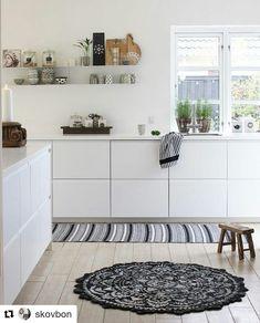 "4 gilla-markeringar, 1 kommentarer - MinimalistHome (@minimalist.home) på Instagram: ""#Repost @skovbon (@get_repost) ・・・ Kitchen! #interior #interiør #homestyling #sharemywestwingstyle…"""