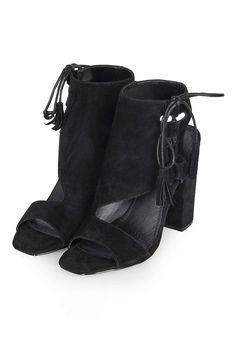a175a1bb25e6 ROS Asymmetric Ghillie Sandals. Pretty ShoesBlack ...