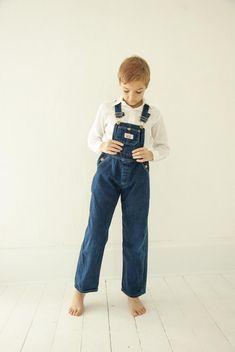 Blue Jeans, Blue Jean Overalls, Kids Overalls, Overalls Vintage, Denim Overalls, Blue Denim, Jeans Overall, Barefoot Kids, Child Models