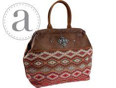 Atenti Maude Handbag at Dream Weaver Yarns LLC