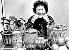 Julia Child - what a fun time it would be to sit in her kitchen, sipping one of her husbands famous cocktails and just listening to her as she cooked! Famous Cocktails, Paris Restaurants, Child Love, Just Smile, Cooking With Kids, Vintage Recipes, My Idol, Love Her, Children