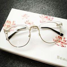 231c74cb41871 Clear Frame Glasses via HONEYMIX.. Click on the image to see more! Armação