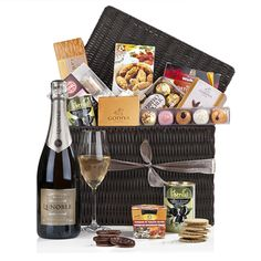 Champagne Toast to the Town - Gourmet Gift Baskets For All Occasions Creative Birthday Ideas, Birthday Ideas For Her, Belgian Truffles, Champagne Gift Baskets, Christmas Wishes Quotes, Housewarming Decorations, Romantic Gifts For Her, Champagne Toast, Gourmet Gift Baskets