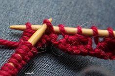 Koskaan ei ole liian myöhäistä: Piparkakkureunaa neulomalla Knitting Charts, Knitting Socks, Knitted Hats, Needle Felting, Mittens, Bobby Pins, Knit Crochet, Hair Accessories, Pattern