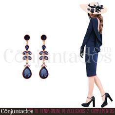 Tenemos los pendientes para el gran evento. Te asesoraremos para que seas la invitada perfecta ★ Pendientes Anaïs: 12'95 € en https://www.conjuntados.com/es/pendientes/pendientes-largos/pendientes-anais-en-azul-oscuro.html ★ #novedades #pendientes #earrings #conjuntados #conjuntada #joyitas #lowcost #jewelry #bisutería #bijoux #accesorios #complementos #moda #eventos #bodas #wedding #party #invitadaperfecta #perfectguest #personalshopper #fashion #fashionadicct #outfit #estilo #style