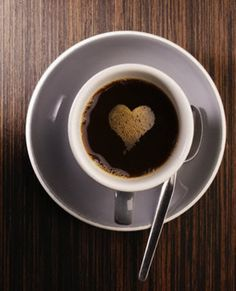 Aquí tenéis un artículo con las tres propiedades beneficiosas del café, que son: que ayuda a mejorar el rendimiento cognitivo, el físico y el nivel de alerta. ¿Os gusta el café? ¿Cómo preferís tomarlo? ¿Y cuál es el mejor momento?  http://sociedad.elpais.com/sociedad/2012/02/22/actualidad/1329928948_433265.html