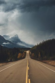 Find images and videos about nature, travel and landscape on We Heart It - the app to get lost in what you love. Beautiful World, Beautiful Places, Beautiful Pictures, Landscape Photography, Nature Photography, Travel Photography, Photography Basics, Photography Courses, Digital Photography