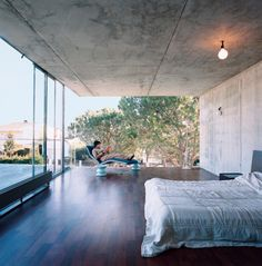 Striking Exposed Concrete Interiors by William Harrison from Suburban… Interior Exterior, Interior Architecture, Concrete Interiors, Concrete Bedroom, Exposed Concrete, Concrete Wood, Concrete Ceiling, Wood Glass, Glass Door