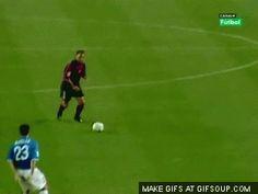 Rivaldo Super Football, Football Score, Football Drills, Football Is Life, Soccer Gifs, Soccer Memes, Zlatan Memes, Amazing Goals, Black Mamba
